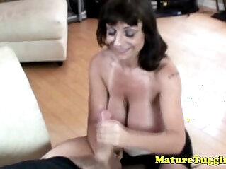 7:44 - Busty granny giving tugjob -