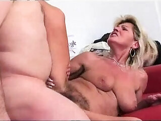 7:02 - Hairy granny squirts -
