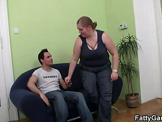 7:24 - Fatty picks up guy for sex -