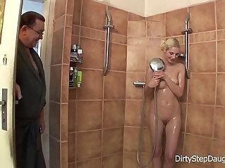 12:31 - DiryStepDaughter Lewd Stepdad Shower Fucks Blonde Stepdaughter -
