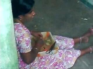 1:19 - Hot sexy Tamil aunty -
