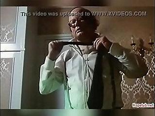 6:40 - Cena de velho avo estuprado novinha dormindo Scene of old granddaughter sleeping -