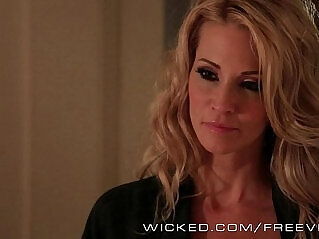 6:14 - Wicked Jessica Drake makes her step son cum -