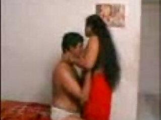 11:54 - Desi Aunty Ke Saath Uske Bedroom Me Maza -
