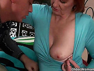 12:45 - Mature mom craves a fist up her old pussy -