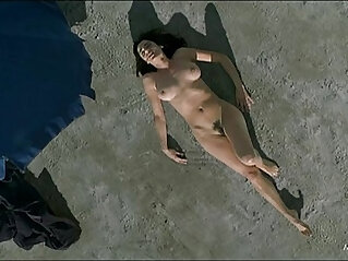7:35 - Luisa Ranieri Nude in Eros -