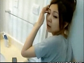 6:19 - Chinese couple recording in the restroom -