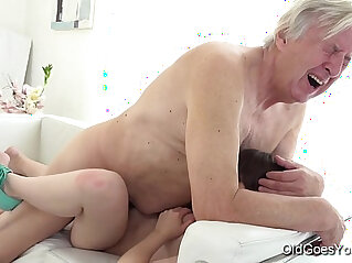 7:29 - Old goes young luna rival gets spotted and fucked while she vacuums the rug -