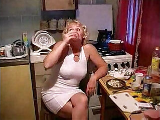 22:19 - A mom fucked by her son in the kitchen river -