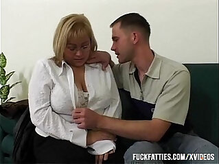 30:51 - Big Tit BBW Fucked By Repairman In The Couch -