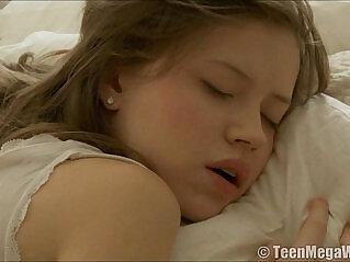 9:28 - cute little angel -