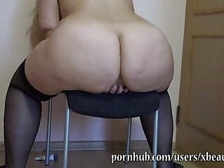 9:48 - older BBW gives her pussy and ass a workout with dildo -