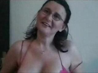 5:32 - Hot mature italian slut loves to be masturbate. Real hot party amateur -