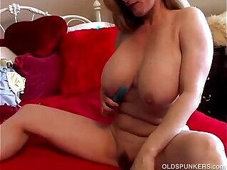 5:48 - Beautiful tits amateur -