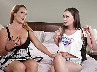 6:40 - Gia Page and her new mommy, Elexis Monroe! Mommys Girl -