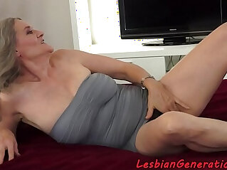 7:54 - Bigtit beauty licks hairypussy of mature -