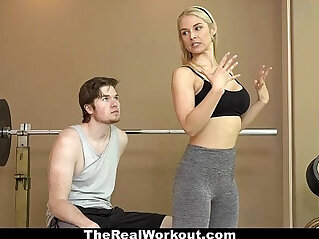 8:39 - Therealworkout hot milf sucks and fucks client -