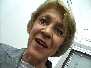 6:52 - Oma macht gern Sextreffen German Granny likes livedates -