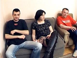 1:13:00 - Serbian pee movie Slovenac Beogradu -