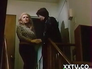 1:8:27 - Confessions of a young american housewife 1974 -
