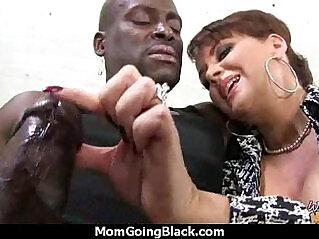 5:10 - Mom likes Black Boyfriend -