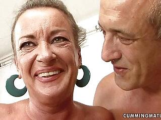 27:37 - granny slut squirts -