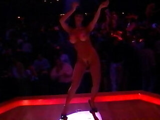 55:27 - American Striptease Behind the Lights -