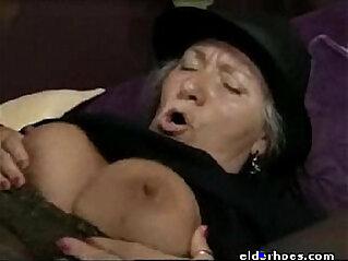 1:11 - Mature Granny in hardcore sex action -