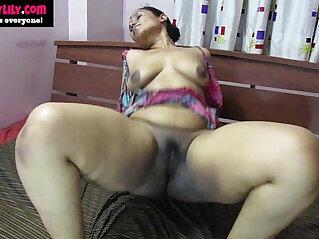 12:00 - desi babe lily orgasm indian sex -