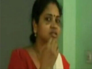 9:02 - Scene Of Tamil Aunty With Her Coloader Porn Video -