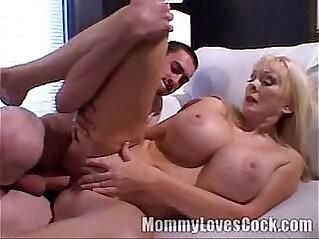 21:54 - Diane Diamonds mommylovescock -