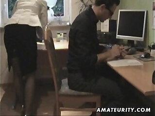 13:40 - Amateur blonde amateur Milf and fucks at home with big cumshot -